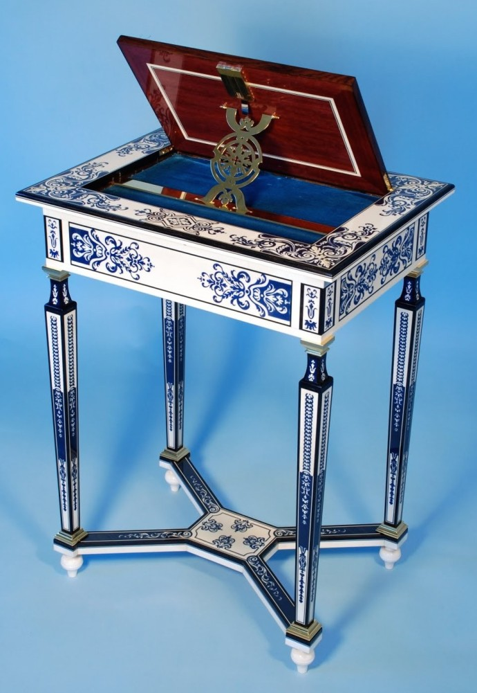 Marquetry table, reproduction of an original Louis IV piece