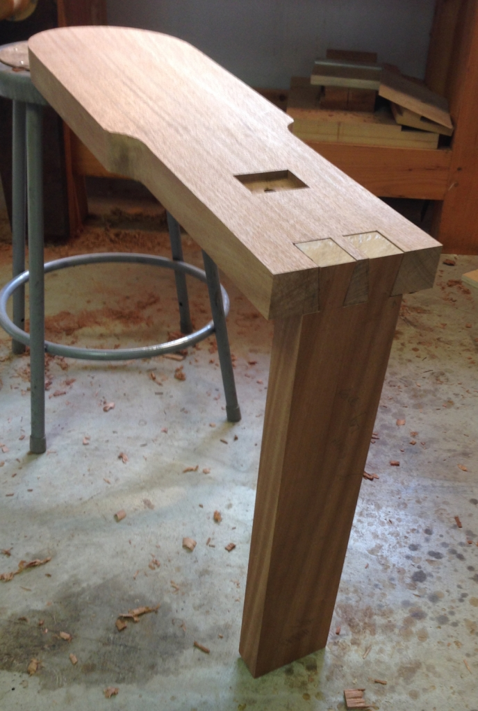 Seat base shaped, the top edge will get a generous rounder later.