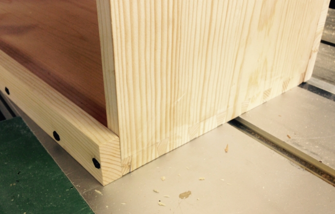 Dovetails fit nicely (picture is after rough planing them level, cleanup still to do)